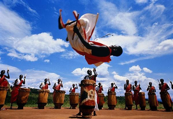 http://www.abbegeorge.de/images/burundi-trommler3.jpg